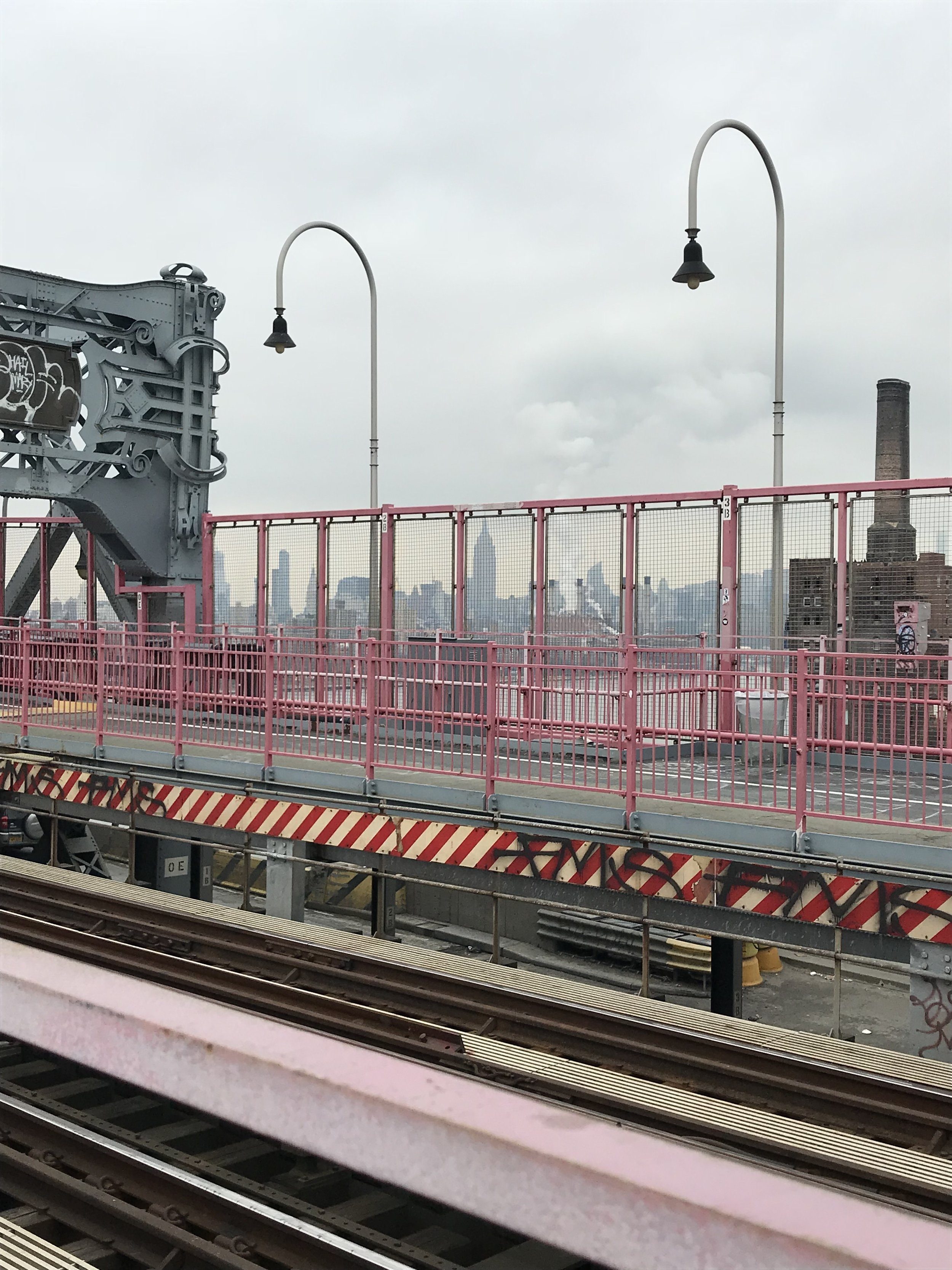 ISSA PINK BRIDGE, Y'ALL. I absolutely love the Williamsburg bridge. I started walking on it with no intention of crossing the entire thing (1.384 mi)but I figured I had nothing else to do and why not it was so cool. I just felt so inspired while walking on it. Here I was, walking the coolest bridge in NY and it felt like in that moment anything in life was possible. Cheesy, corny, whatever you want to call it. But it was a surreal feeling.