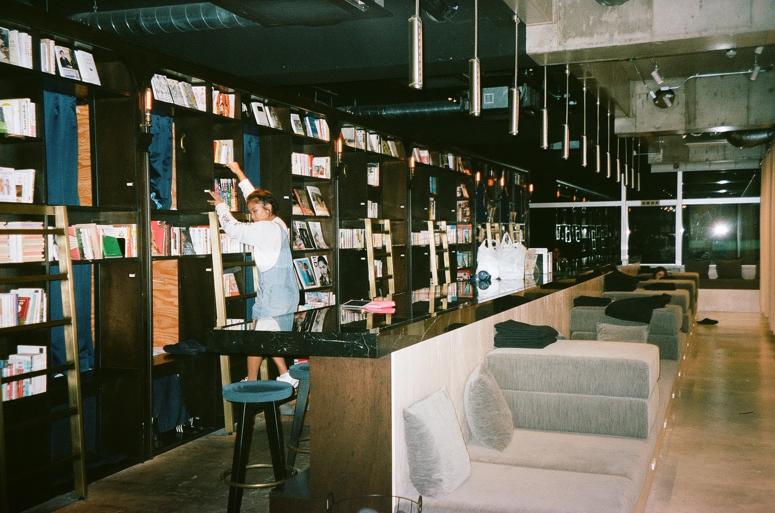 One for the books - : Book & Bed Tokyo