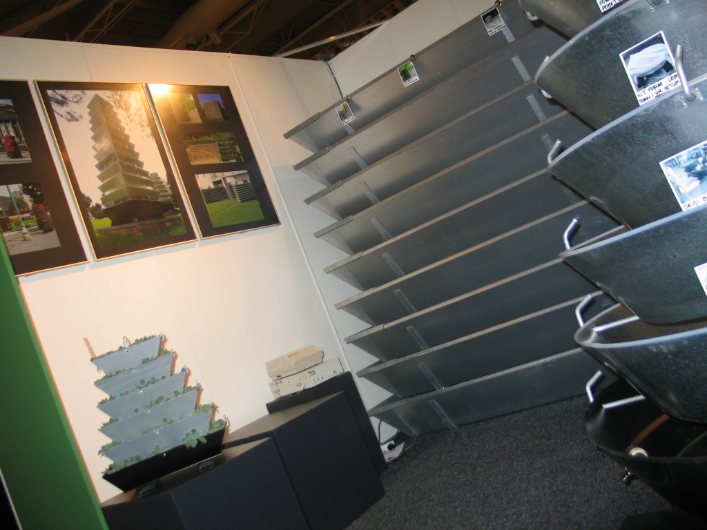 vertical garden DIY kit- greenwall