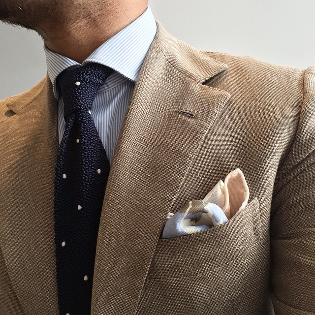 Summer-ish-linen-blazer-jacket-menswear-spring-pocket-square-knitted-tie.jpg