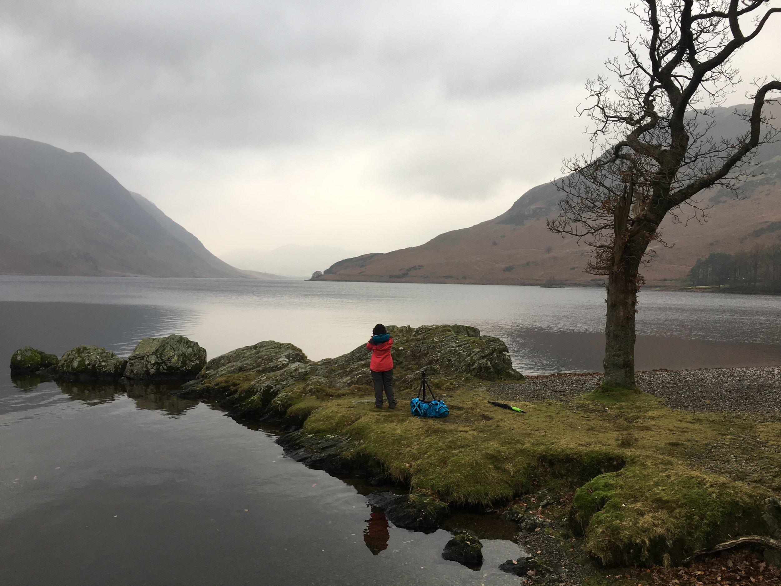 Tien by a very moody Crummock Water just before the heavens opened. We retreated for a nice Hot chocolate...