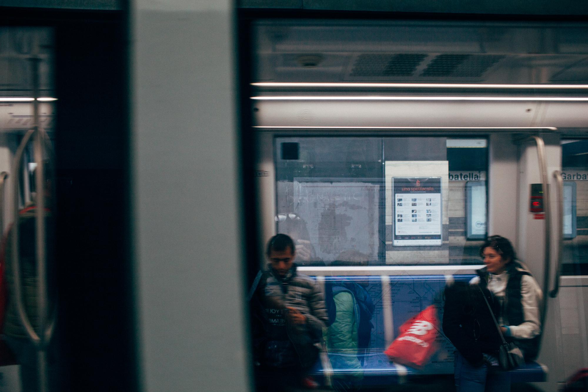 Roma Metro LR-6864.jpg