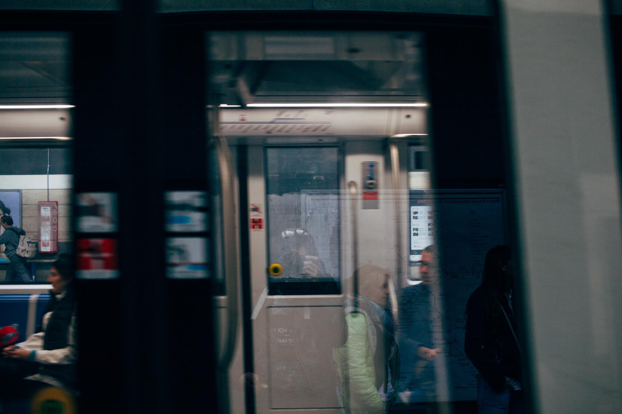 Roma Metro LR-6865.jpg