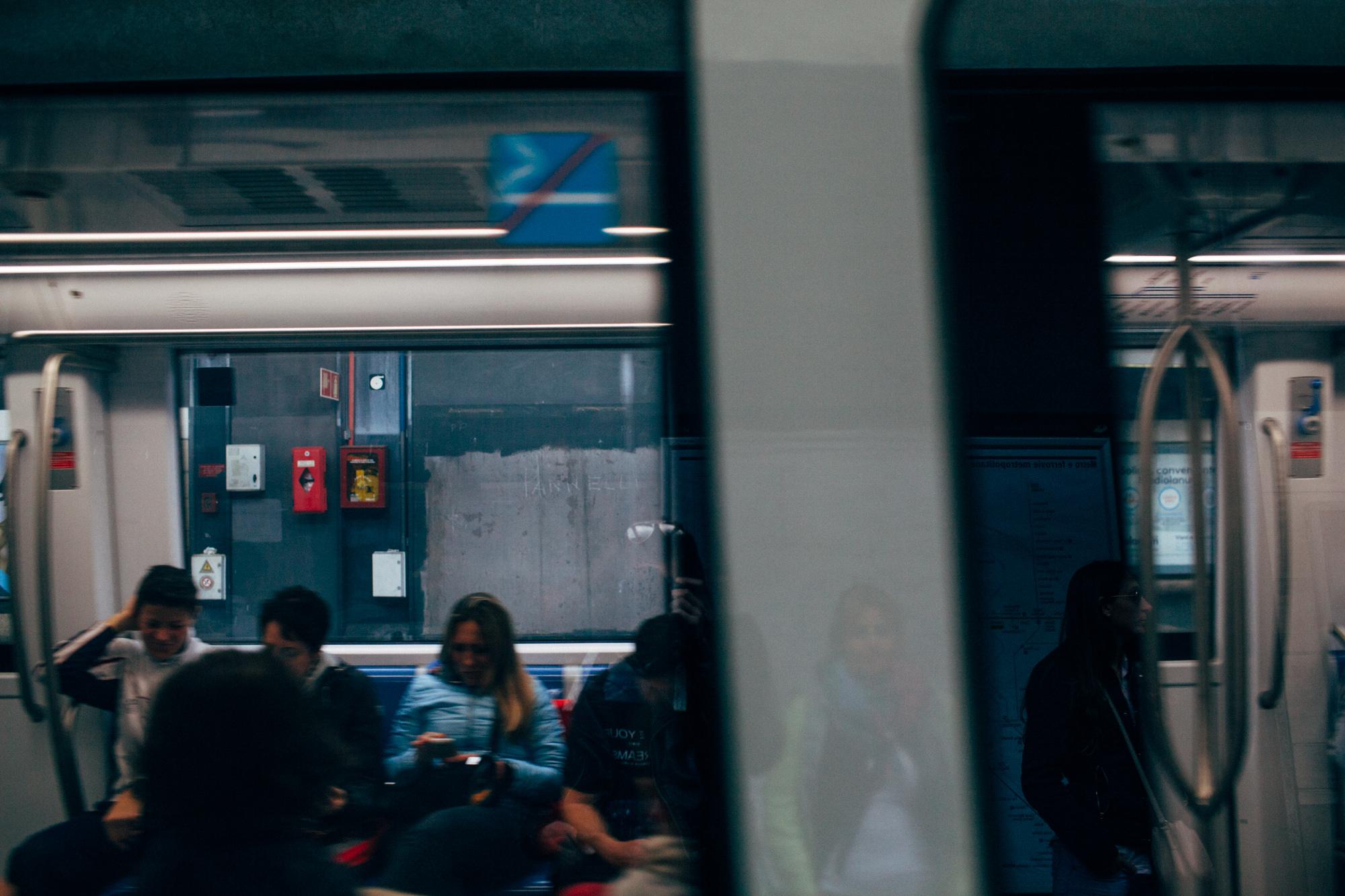 Roma Metro LR-6871.jpg
