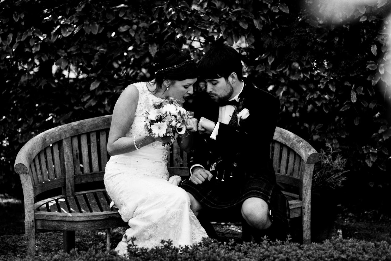 B&W weddings 019.jpg