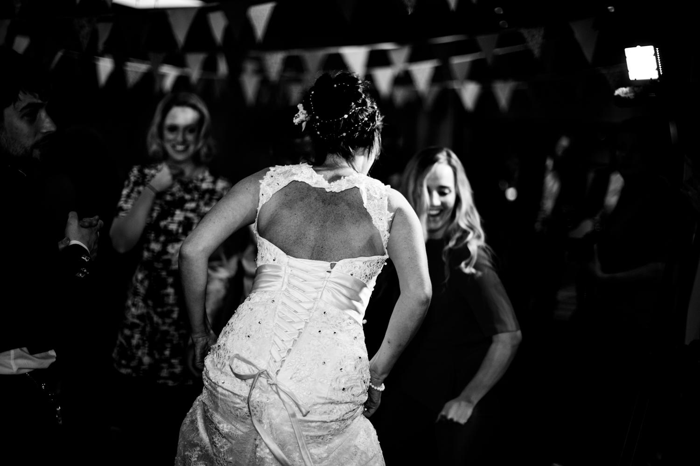 B&W weddings 025.jpg