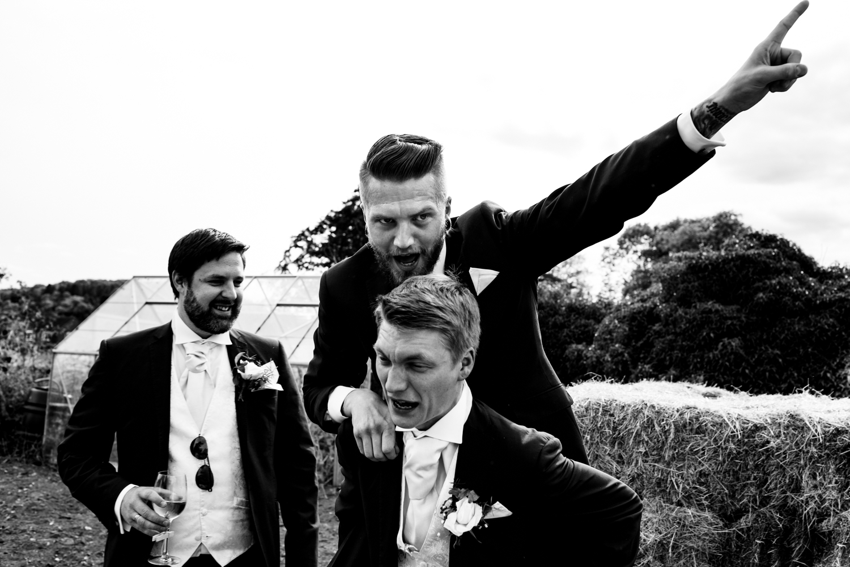 B&W weddings 043.jpg