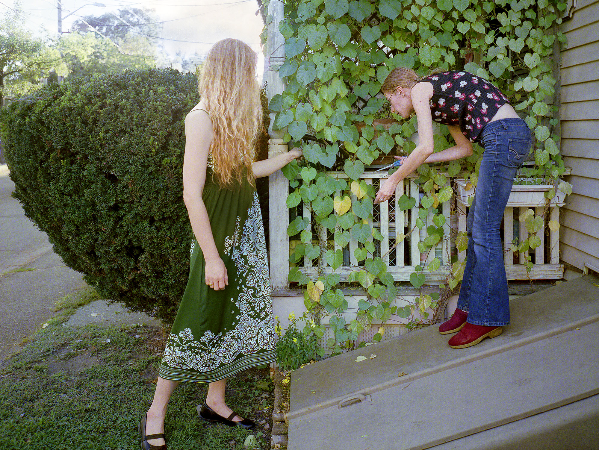 Lorelei, in the garden with Sky / 2012