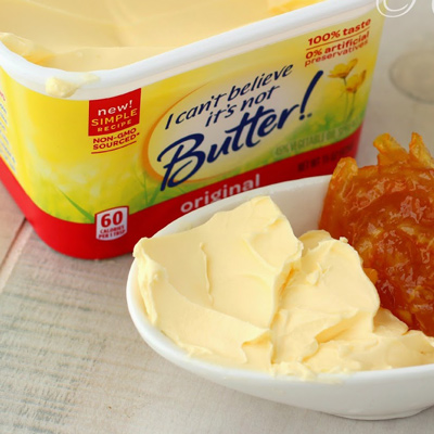 Conceived and created multiple campaigns for I Can't Believe It's Not Butter, bringing valued content (recipes, baking tips, etc.) into the traditional banner ad space.