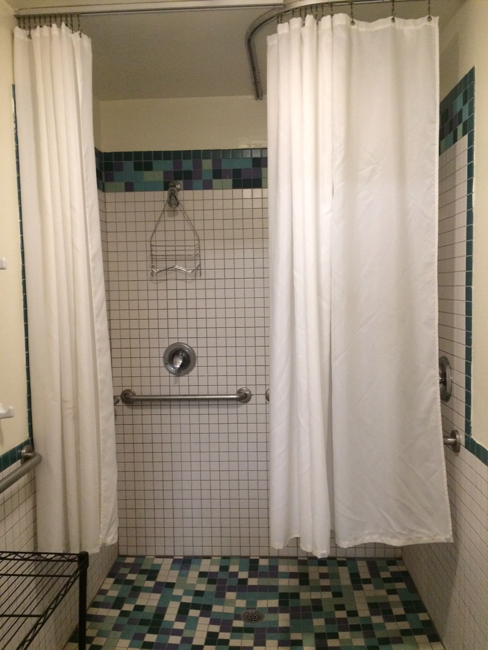Hostel Women's Shower