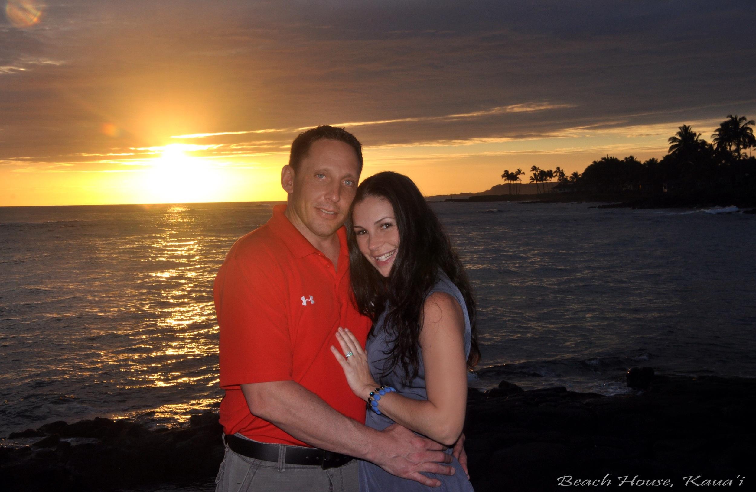 Sunset Dinner at the Beach House Restaurant // Po'ipu, Kaua'i, Hawaii (photo: Beach House restaurant photographer)