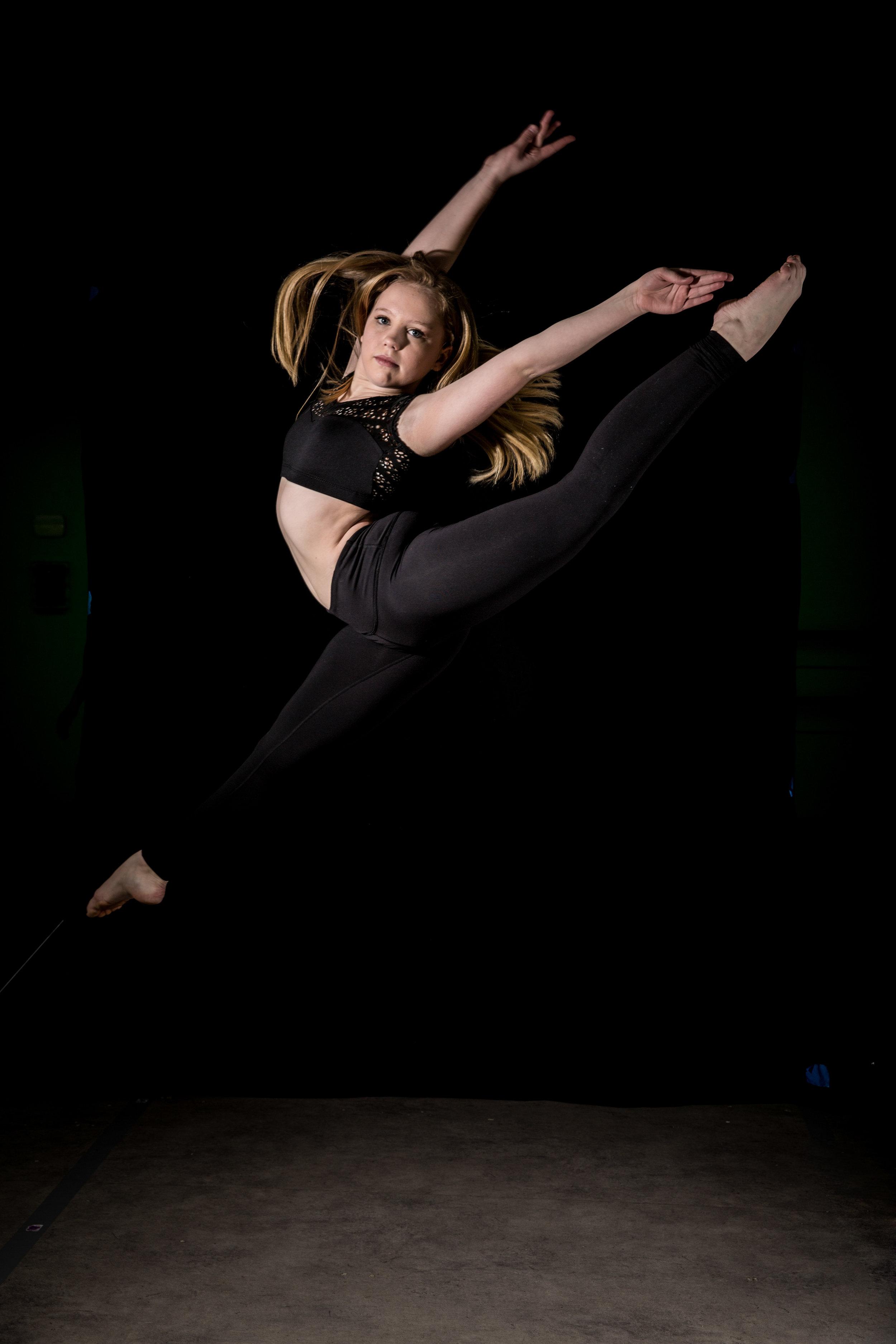 LR_Express_Dancer_Series-15.jpg