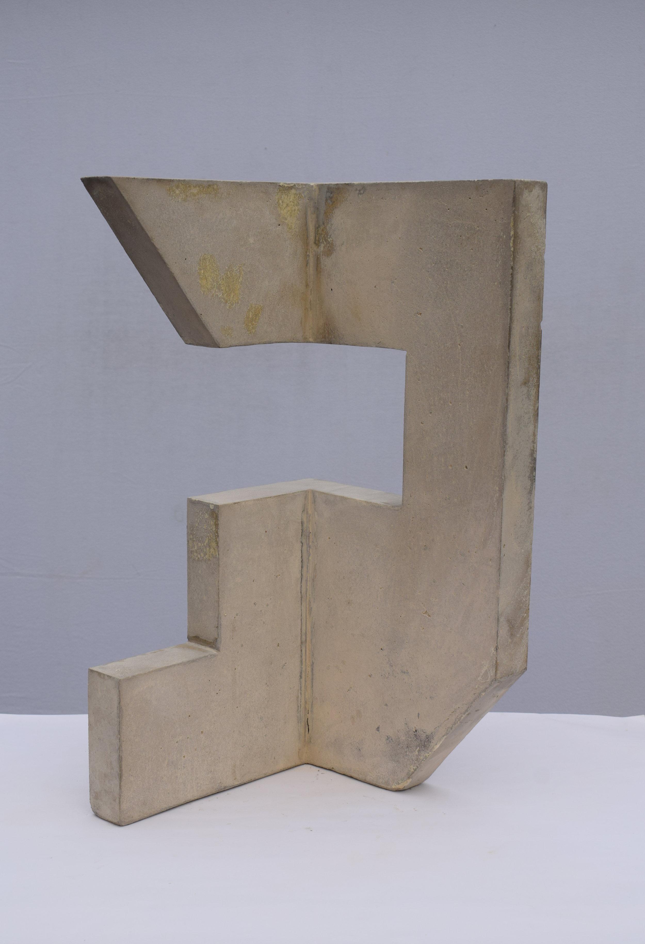 Sangar VI (60 × 30 × 30 cm)