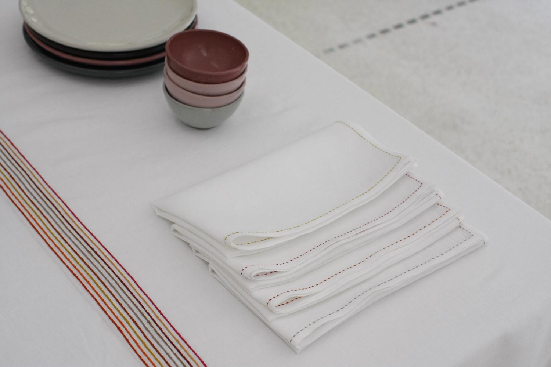 table_linen_Lalla_red_bigger10.jpg