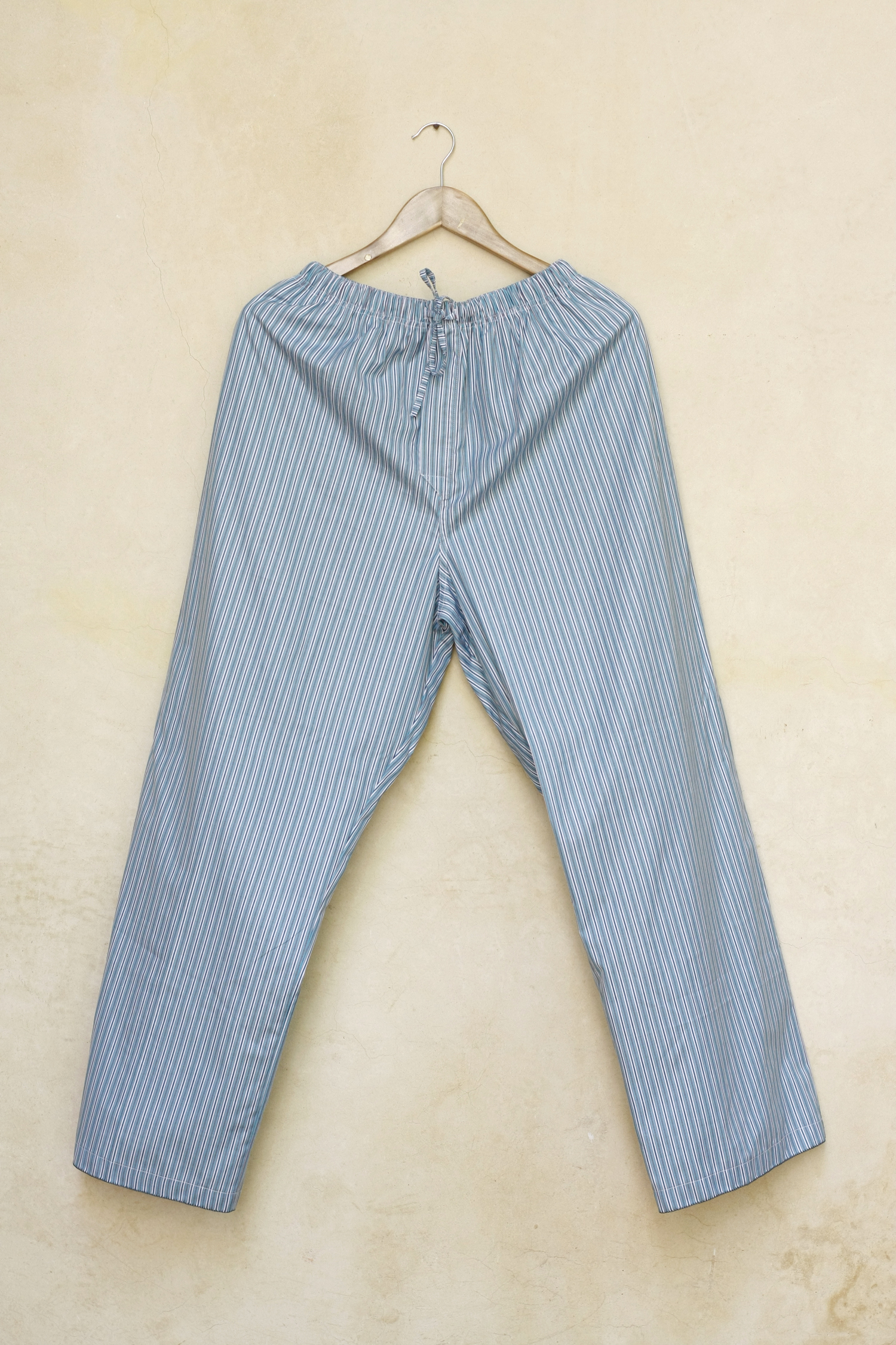 Men_trousers_Ismail_laced_1.jpg