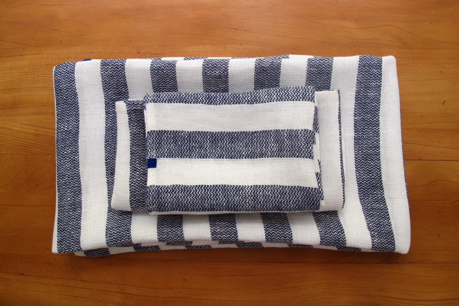 bathlinen_serviette_invitee_riga_blue_28.jpg