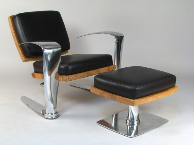 PILOT CHAIR WITH OTTOMAN