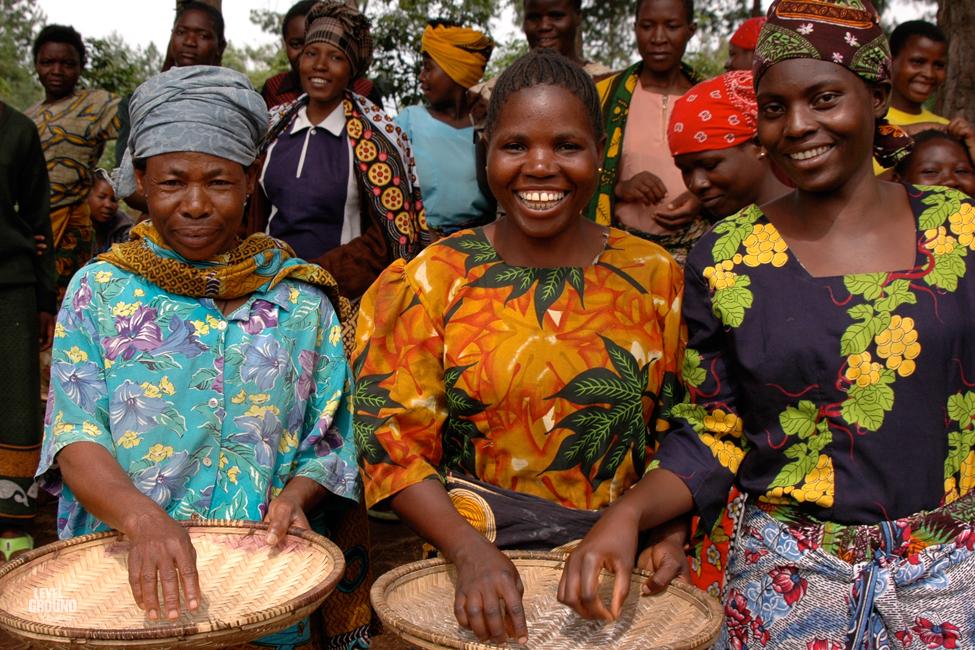 tanzania coffee sorting ladies
