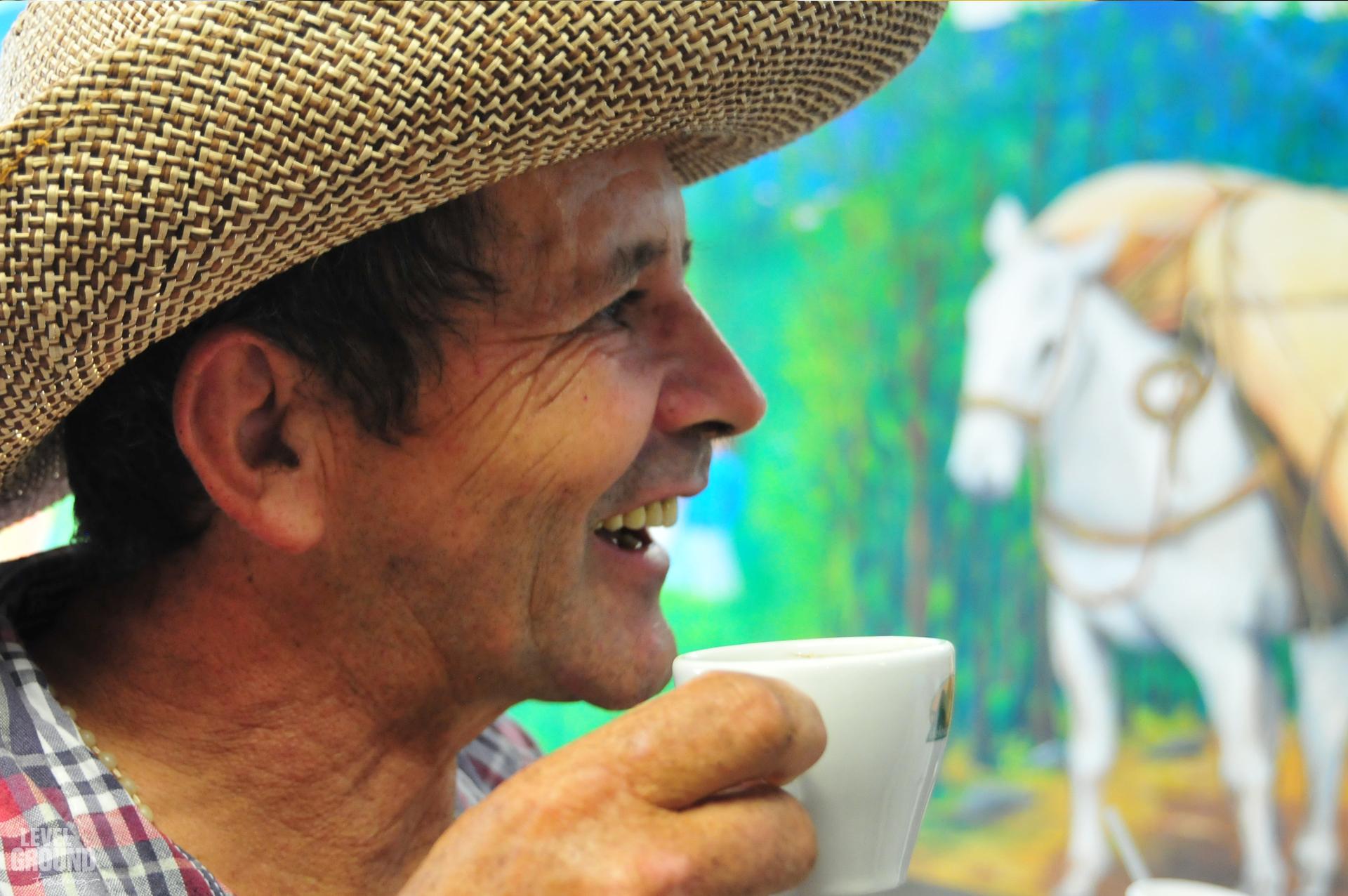 Chepe coffee farmer in colombia