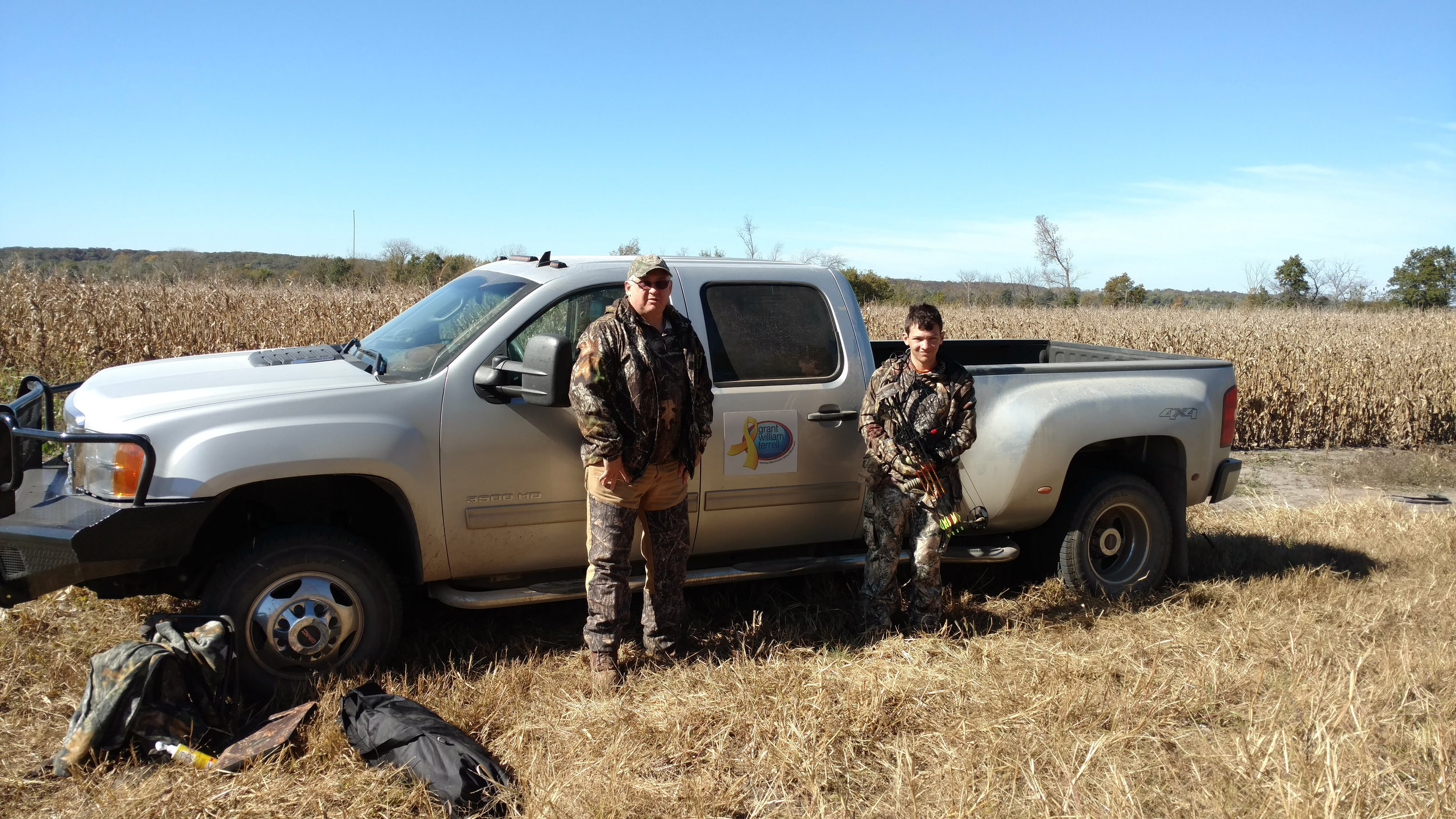 David & Riley Harrison on a 2015 Missouri archery hunt with GWT Foundation.