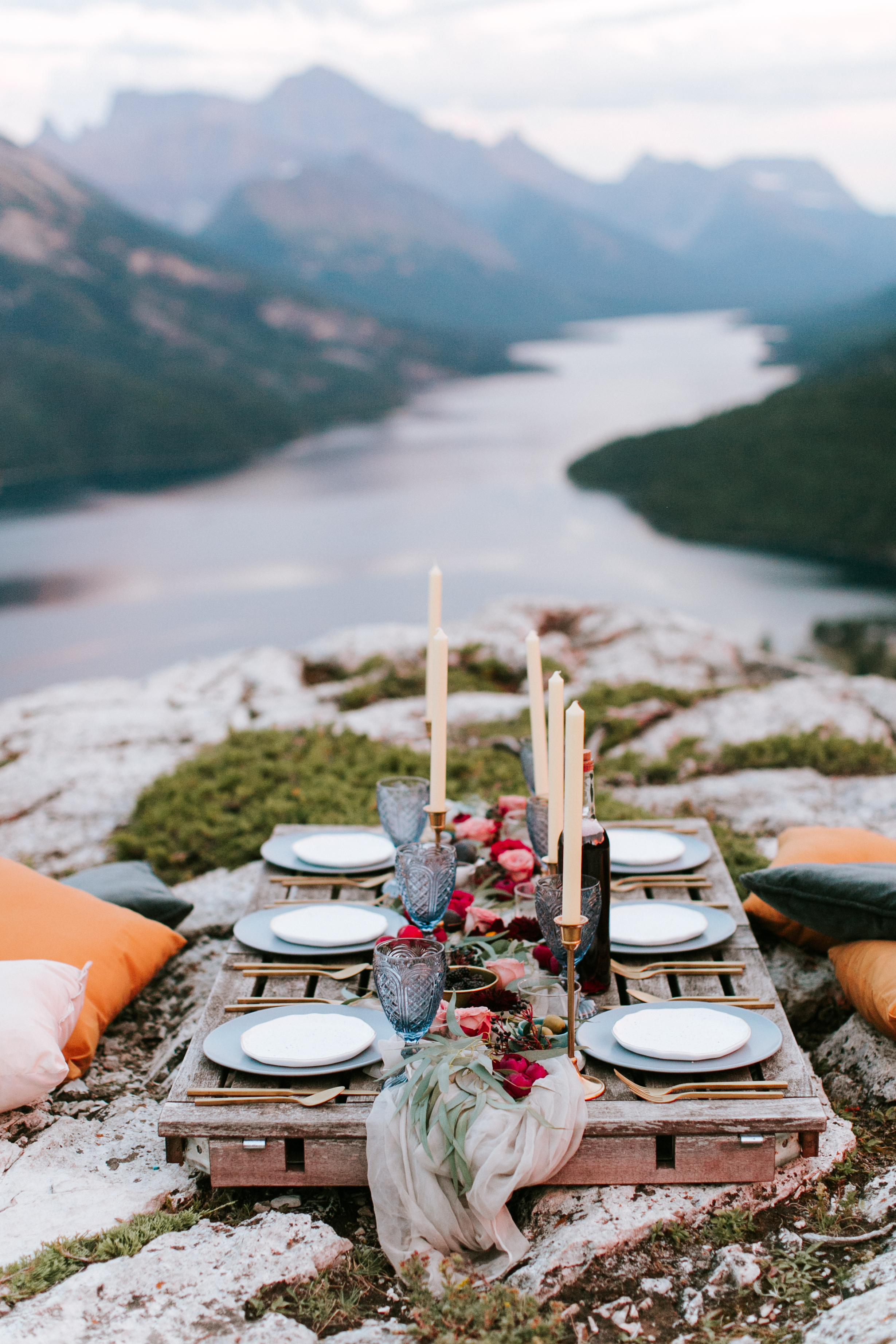 Waterton Elopement - FEATURED ON JUNEBUG WEDDINGS / FALL 2016Styling: Paperdoll + Photography: Genevieve Renee + Florals: Rebecca Dawn Design + Stationery: Art + Alexander + Cake: Pretty Sweet + Dress: Pearl & Dot + Hair and Makeup: Keri Bette + Rentals: Gathered Table Supply
