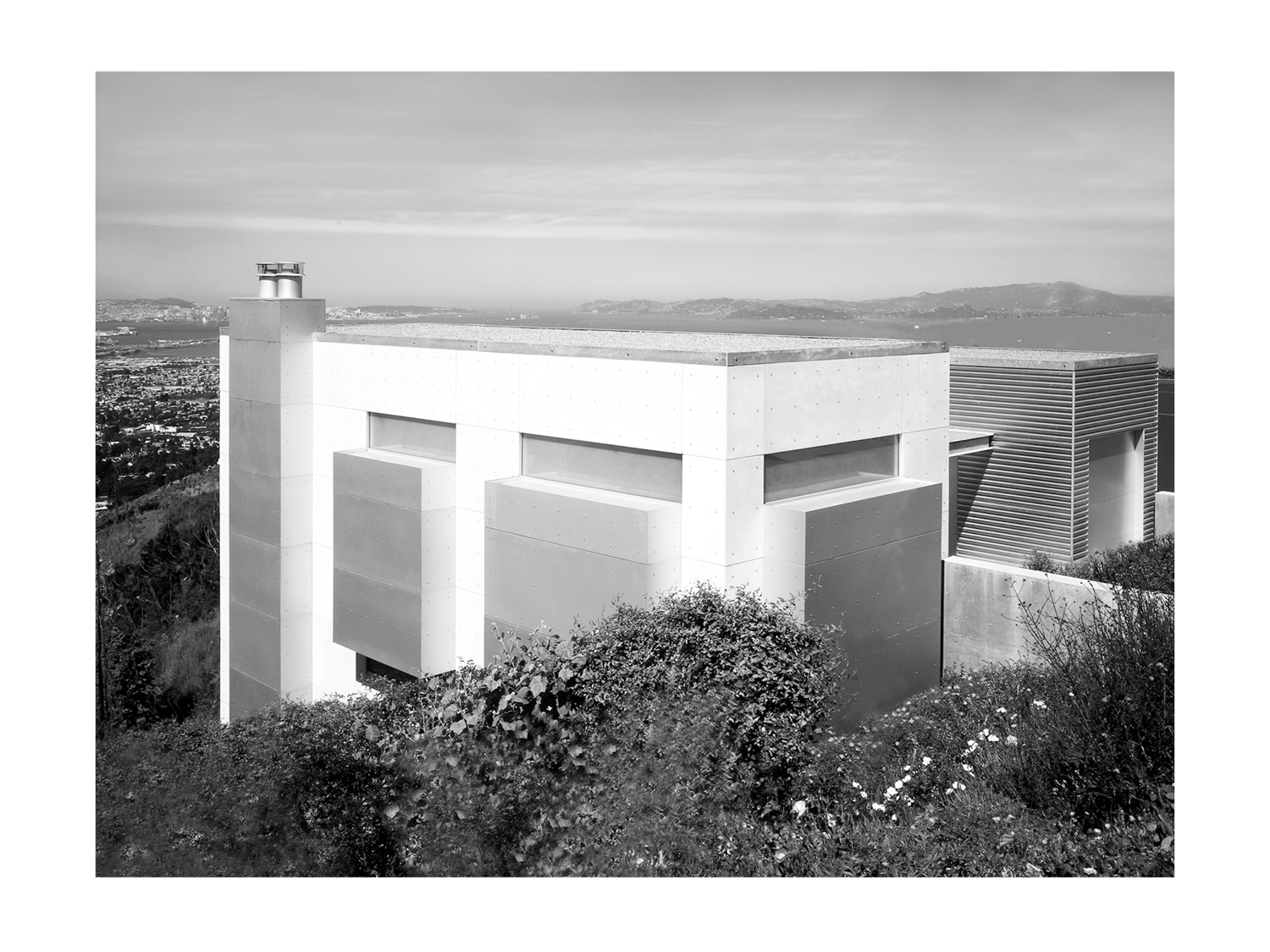 OAKLAND HILLS HOUSE_03_SCALED.jpg