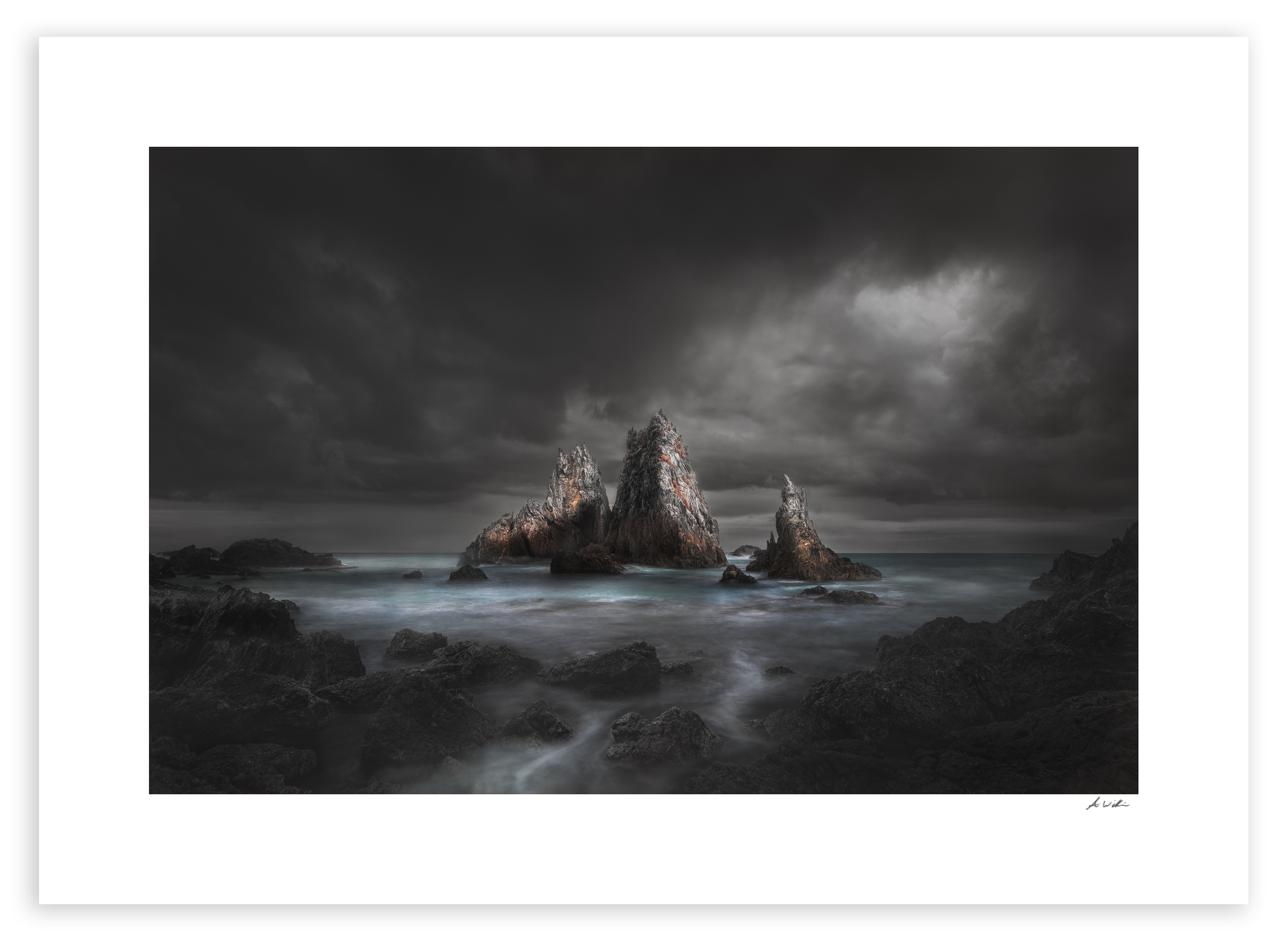 camel rock Black fog.jpg