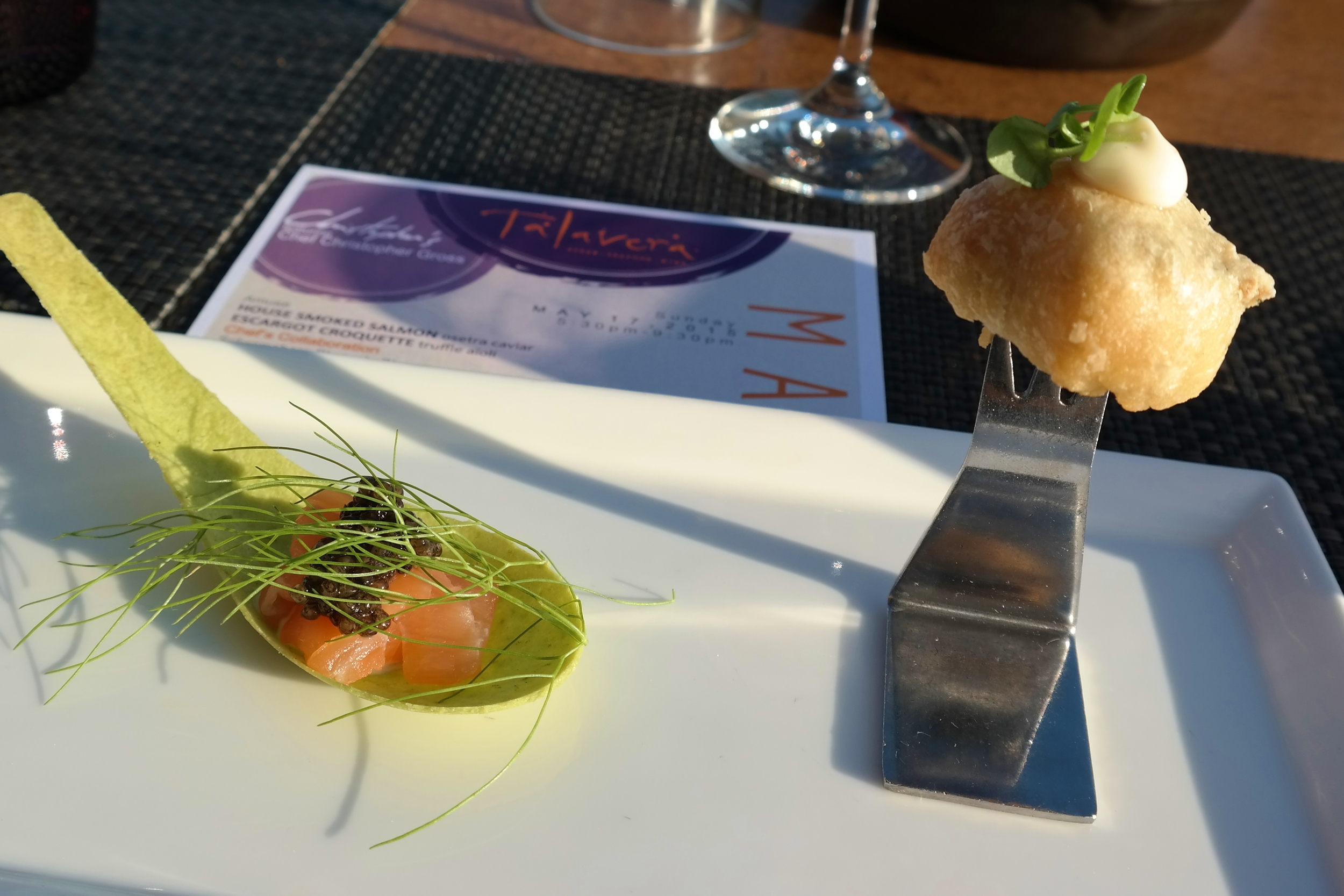Amuse collaboration: smoked salmon and caviar on a chive spoon + escargot croquette and truffle aioli