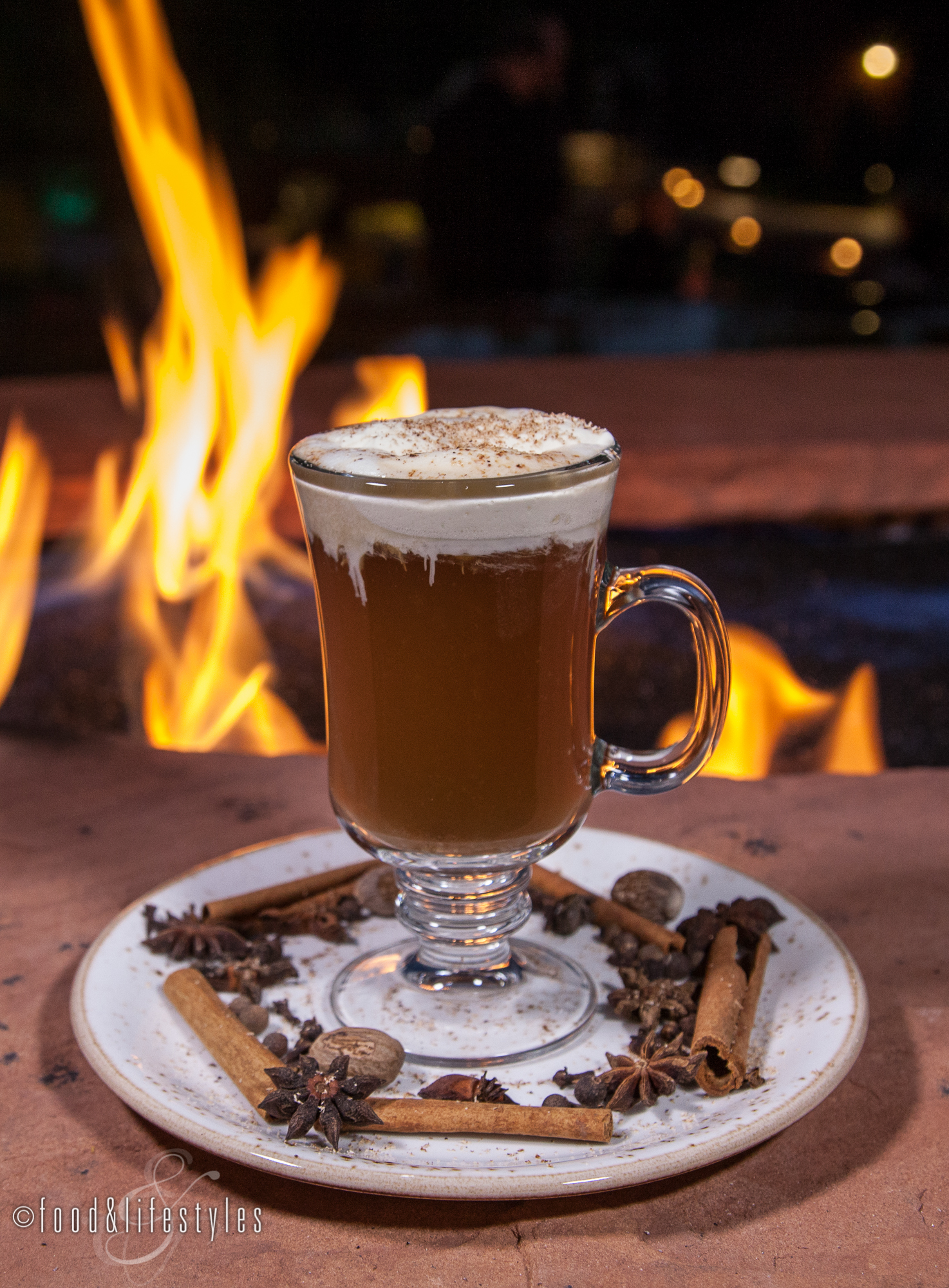 Red Rock Harvest (George Dickel rye, cinnamon syrup, warm spiced cider, coconut cream, and nutmeg)