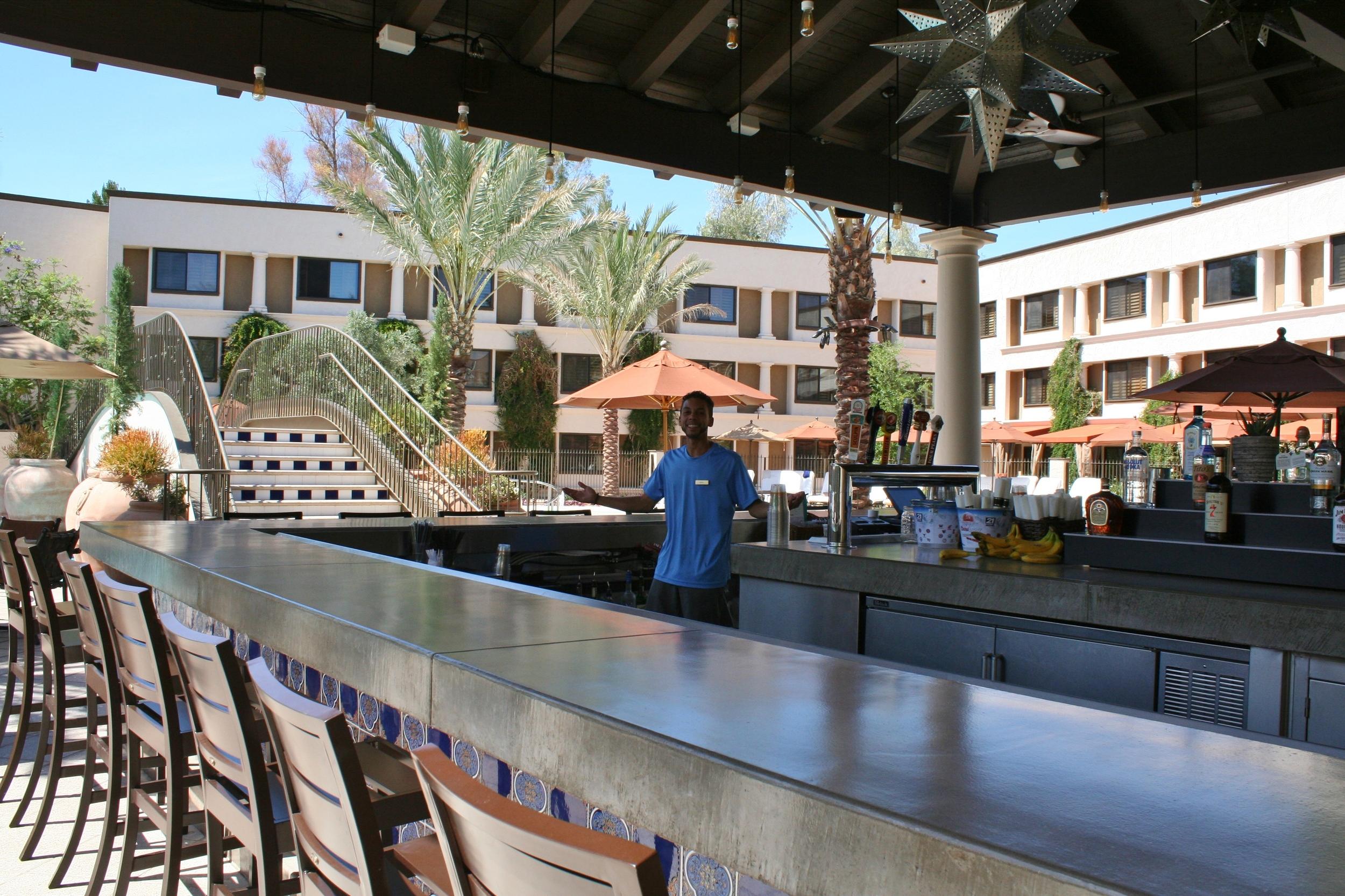 John Twisted Vine Pool Bar