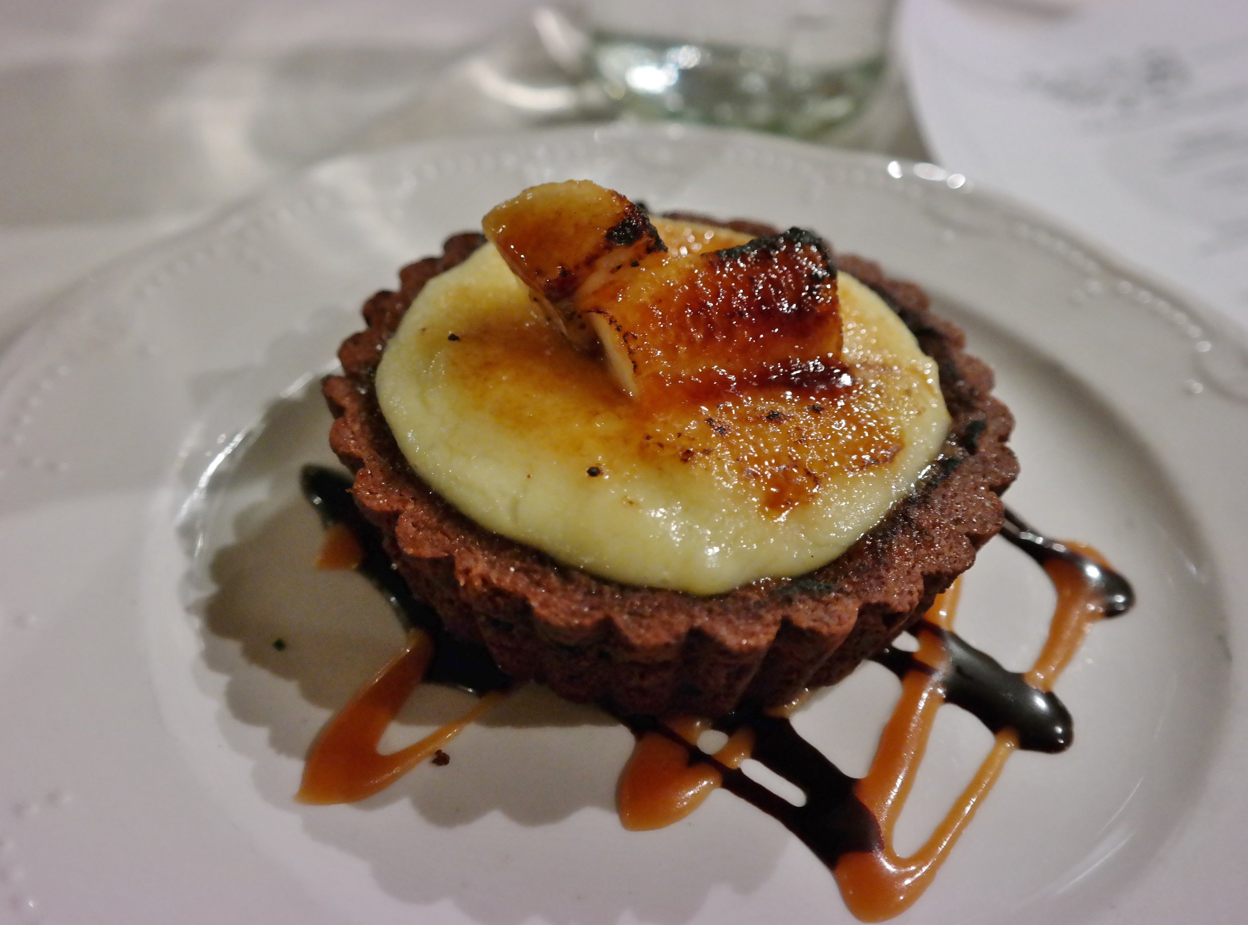 Coup des Tartes: Banana Brulee with coconut pastry cream,  banana, chocolate crust