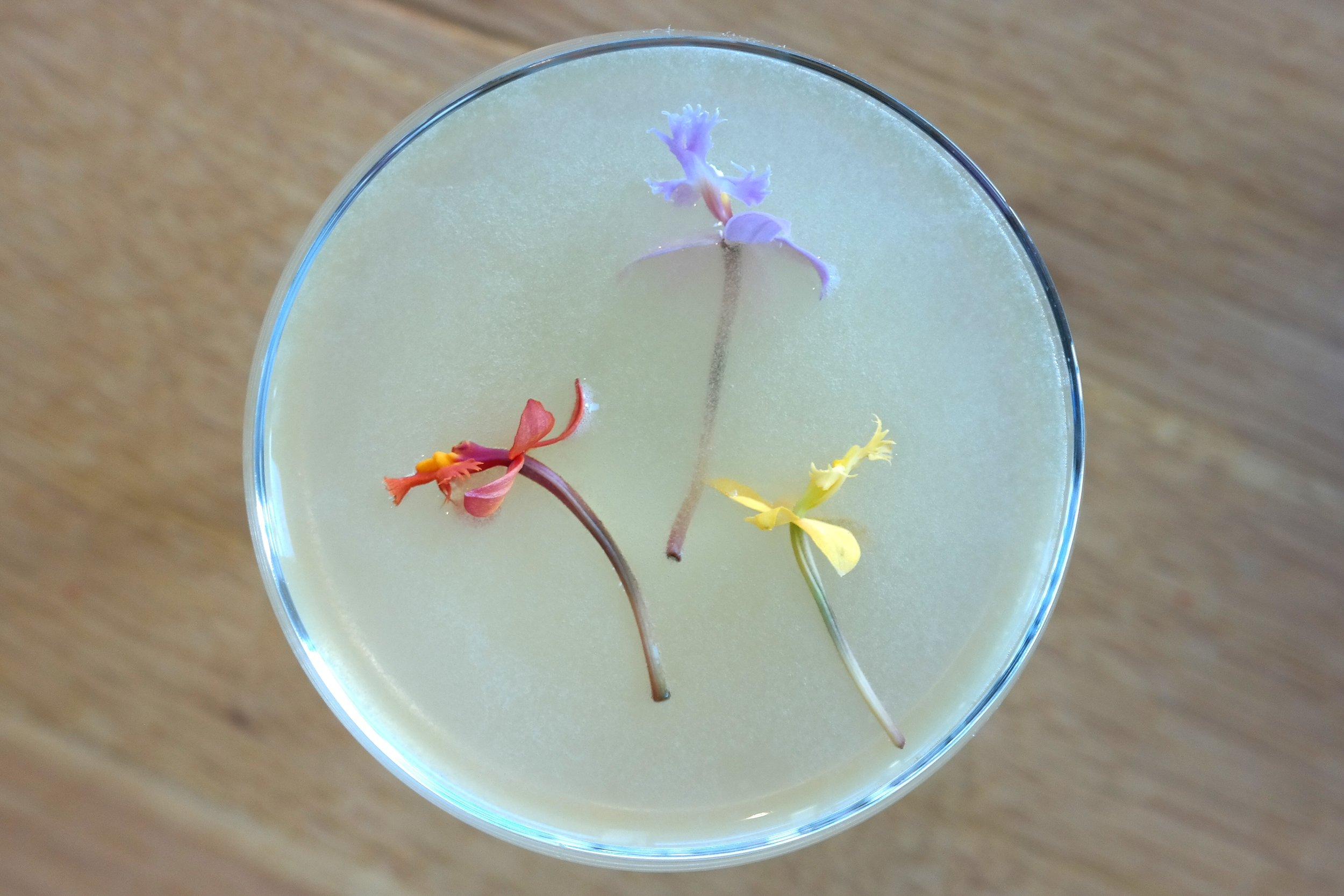 Pisco-Techa decorated with micro-orchids