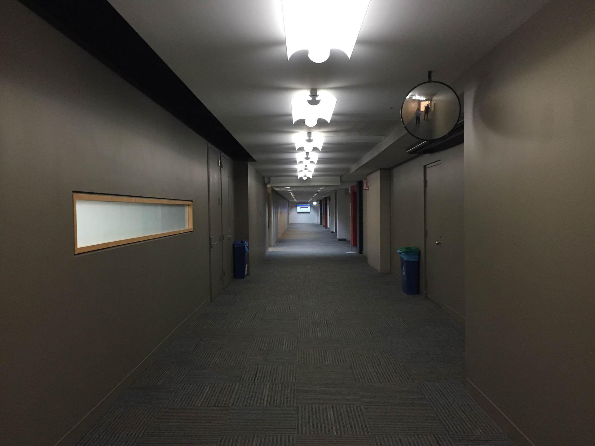 hallway-before.jpg