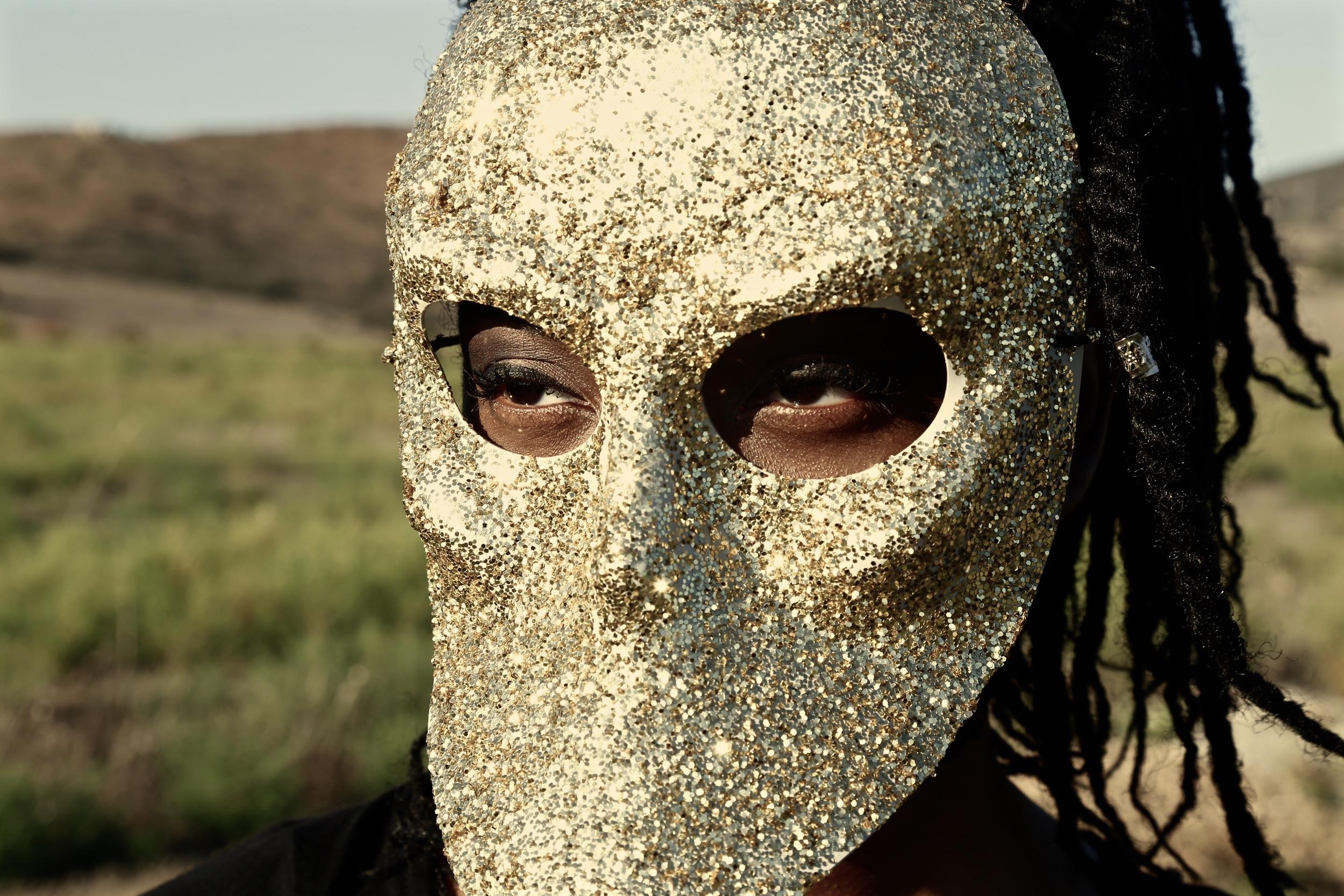 UNTITLED | GOLD | 2015 | SYDNEY LEE