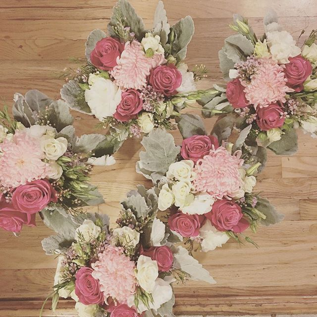 Scattered bridesmaid bouquets #utahflorist #cherryOroses #thatsthecutestnameforarose