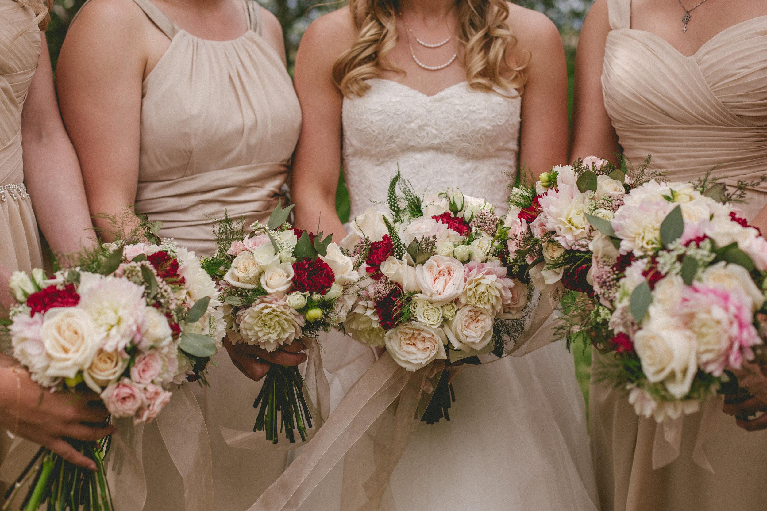 roses bouquets pink bridesmaids elegant