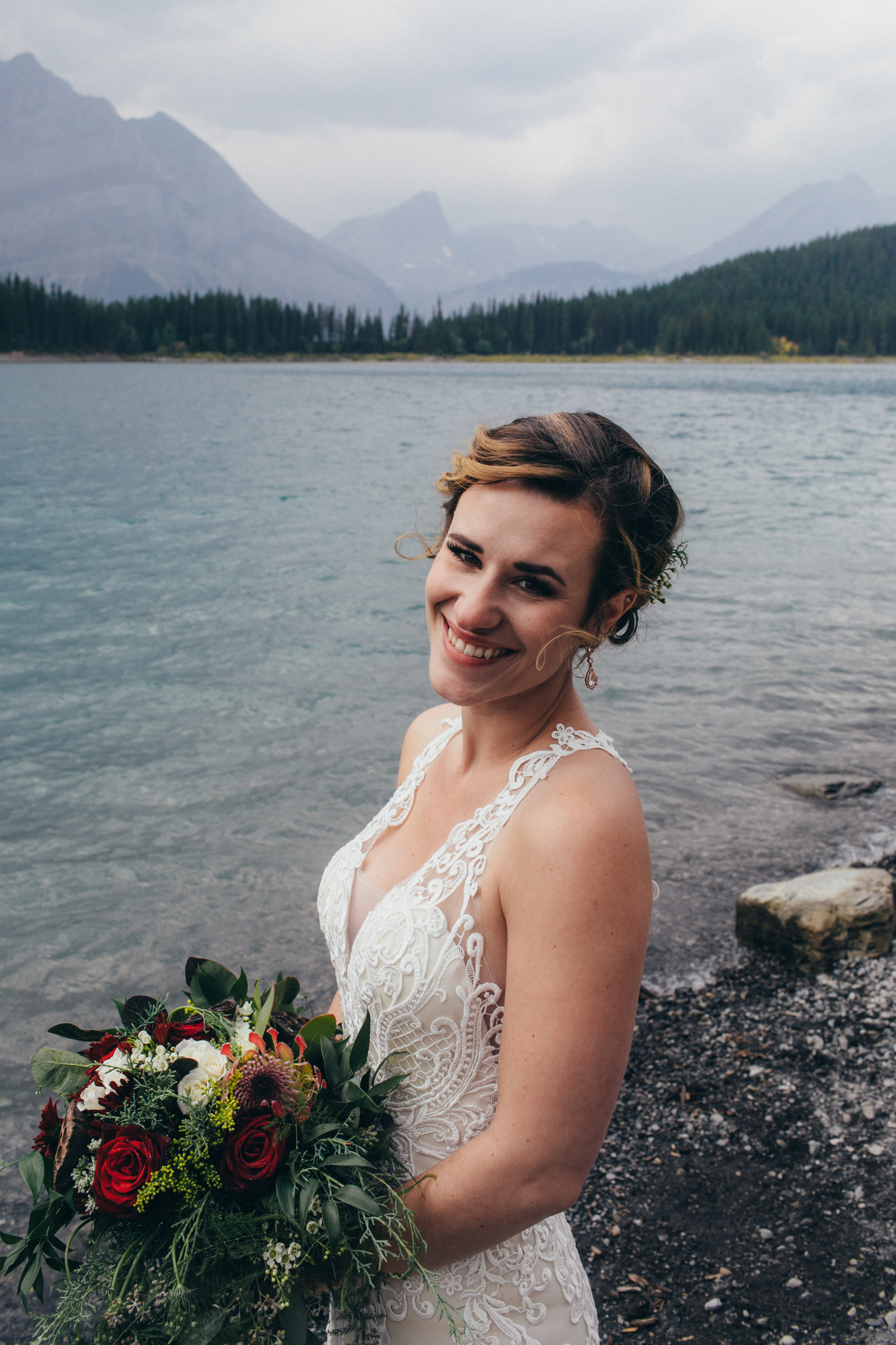alberta wedding flowers and bride's bouquet in canmore