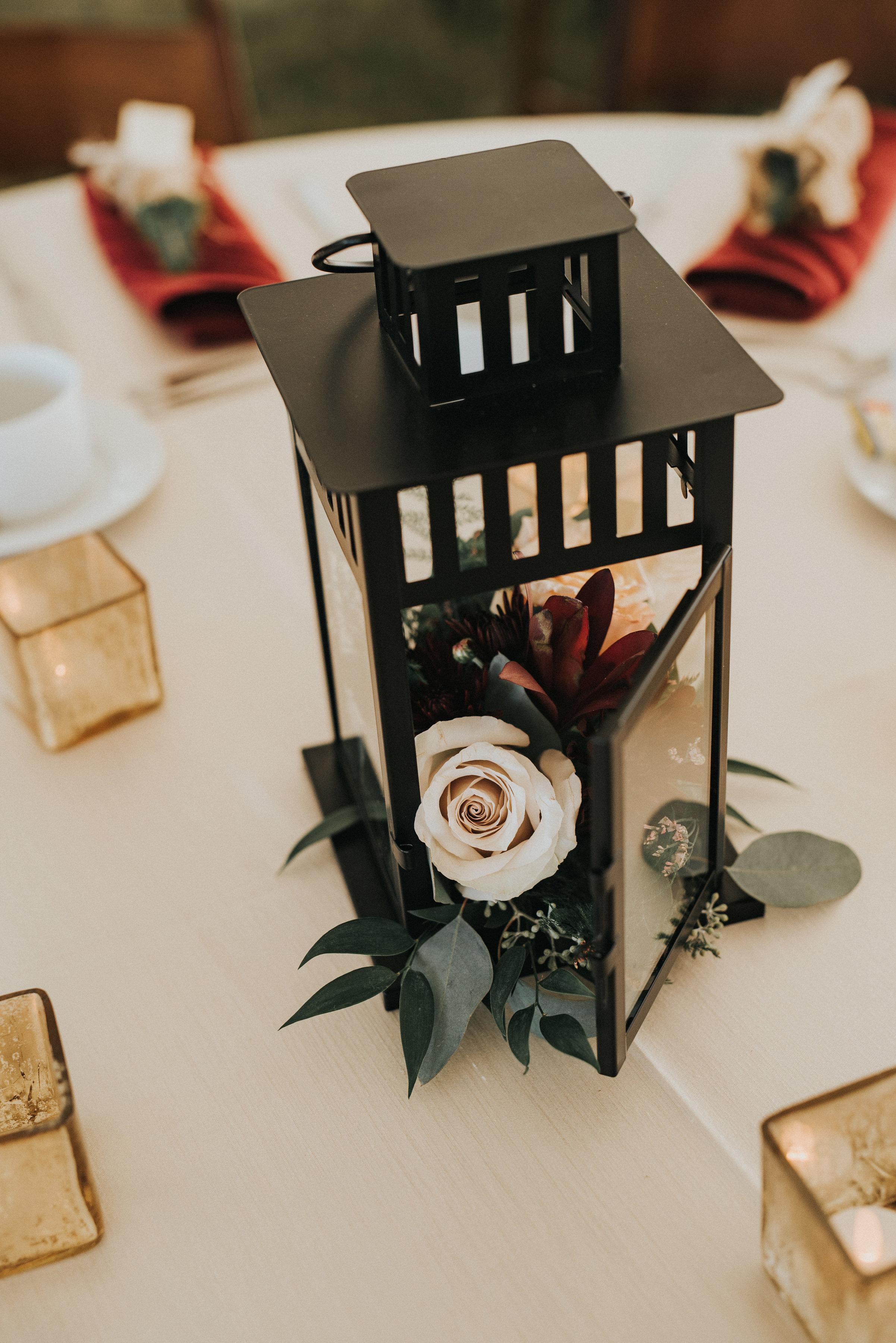 wedding centrepieces made of flowers for calgary alberta weddings
