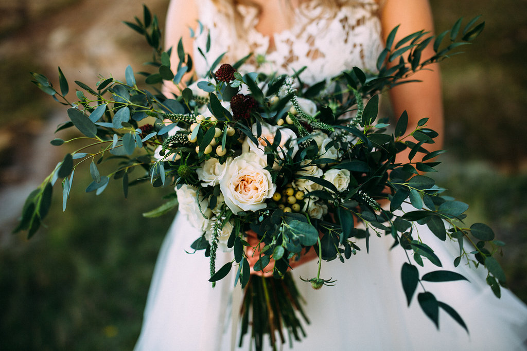inexpensive wedding flowers from experienced boutique in calgary, alberta