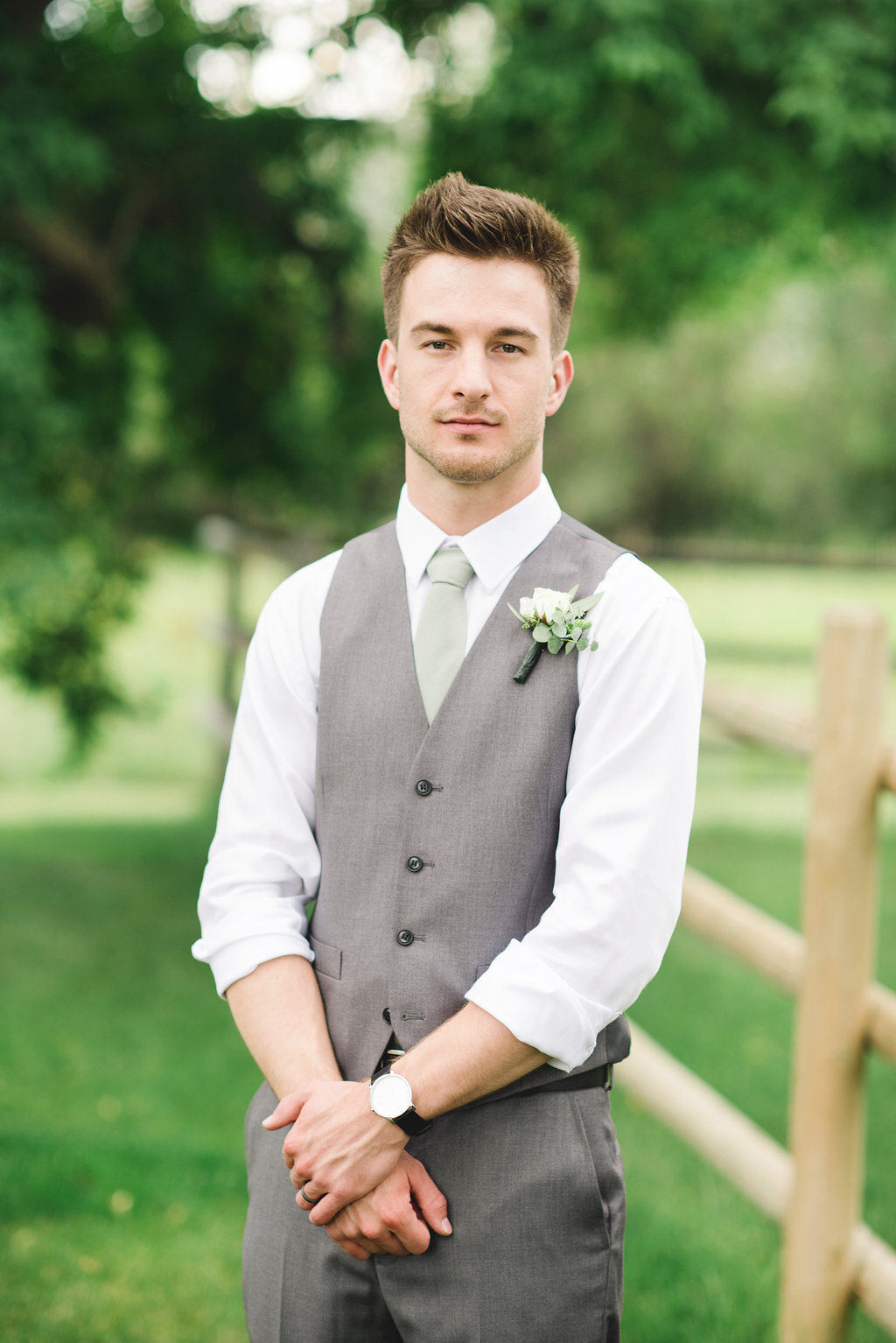 groom flowers and boutonnieres in calgary alberta