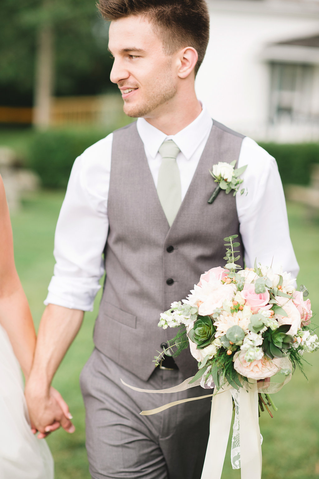 calgary wedding flowers and bridal bouquet