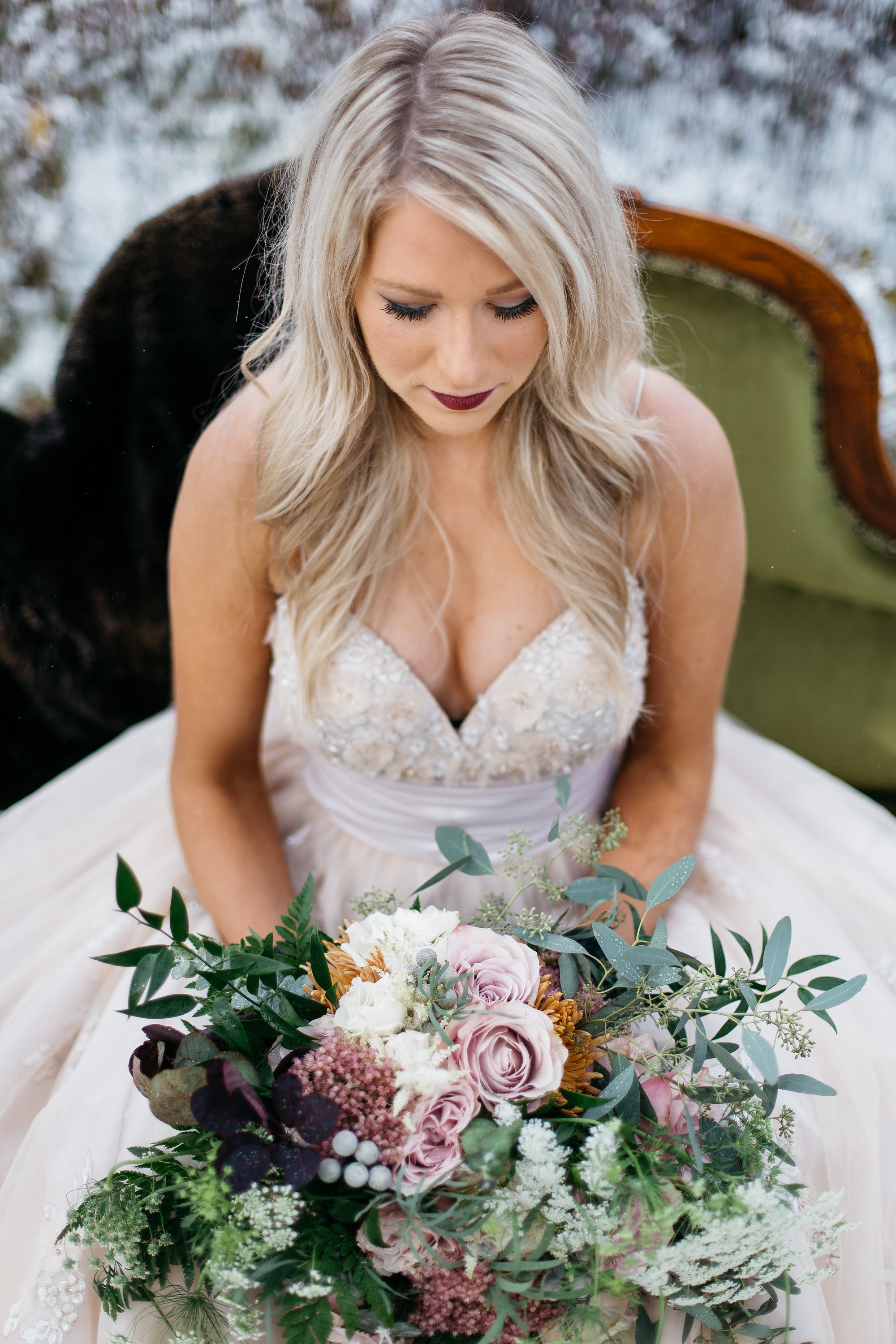 wedding florist from experienced floral boutique in calgary, alberta