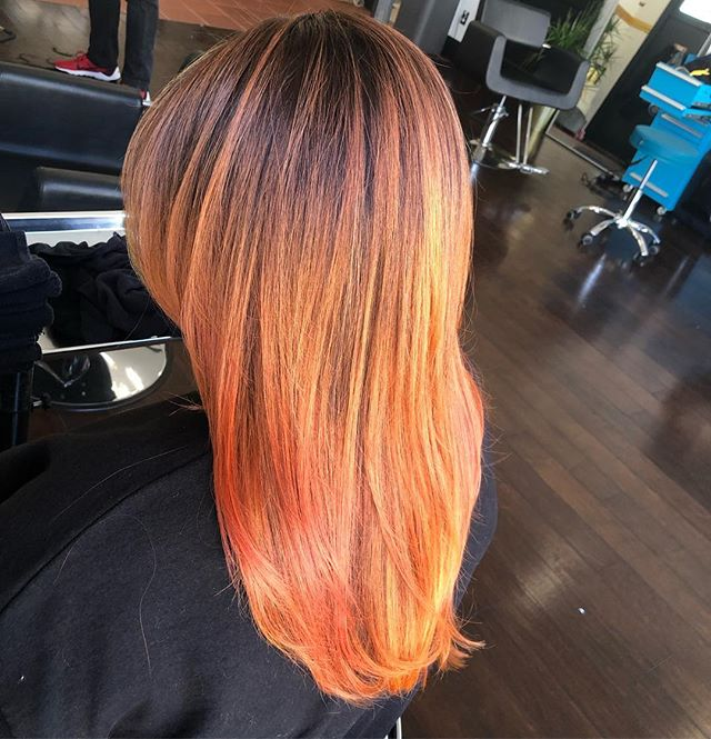 She lost a couple of inches and we did a #trissola #keratin #solo to refresh her original Keratin. Silly smoooth @kayscosmo #kevinmurphy #acutecollective #haircolor #hair #haircut #hairoftheday #hairofinstagram
