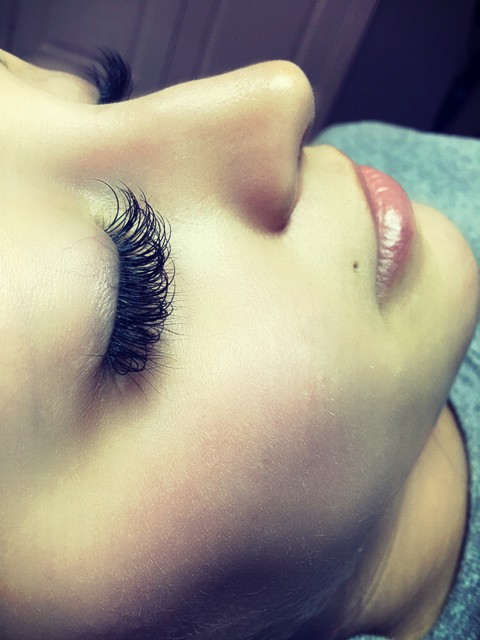 Hybrid Eyelash Extensions