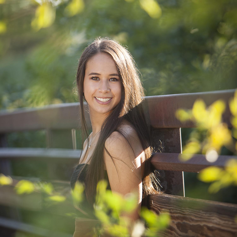Outdoor High School Senior Pictures near Denver with photographer Jennifer Koskinen | Merritt Portrait Studio