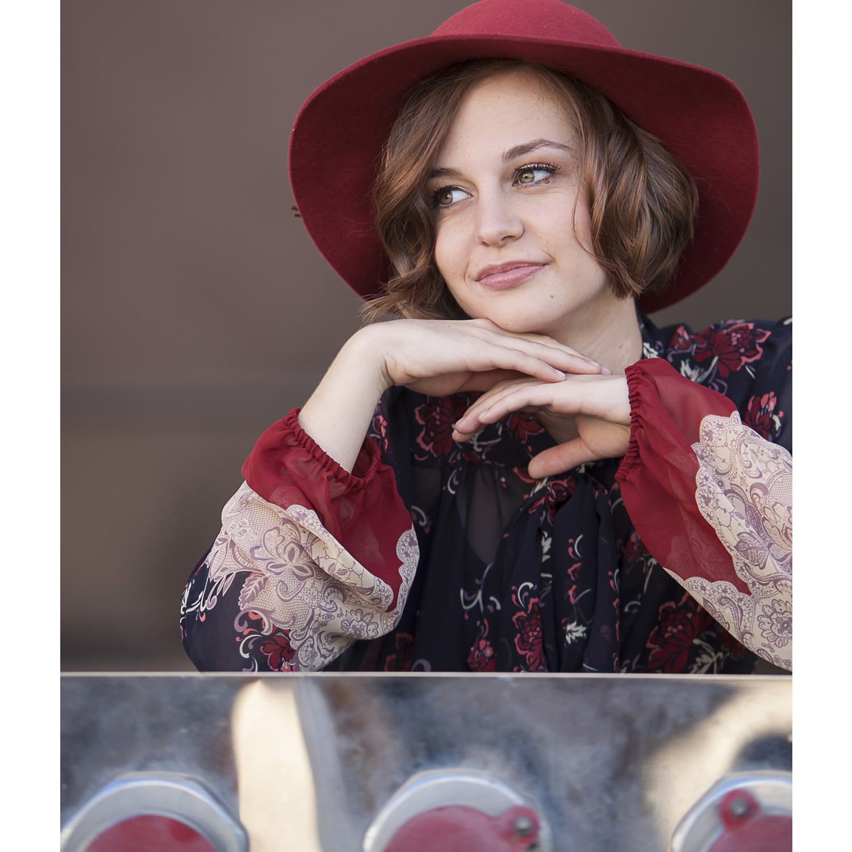 Beautiful High School Senior Picture of Girl in Hat in Denver with photographer Jennifer Koskinen | Merritt Portrait Studio