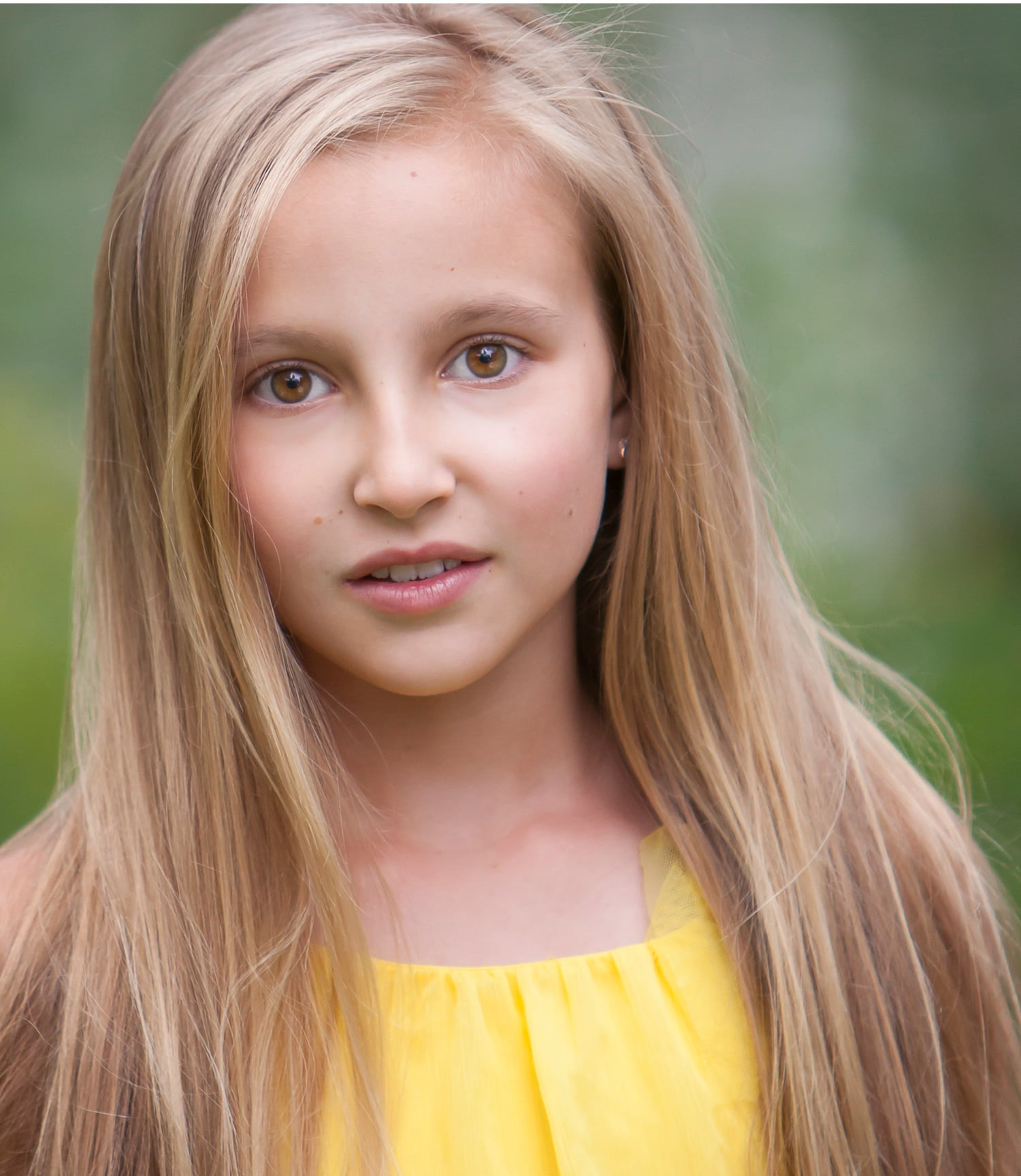 Beautiful blond girl, child actor headshot in natural light, by Denver photographer Jennifer Koskinen | Merritt Portrait Studio