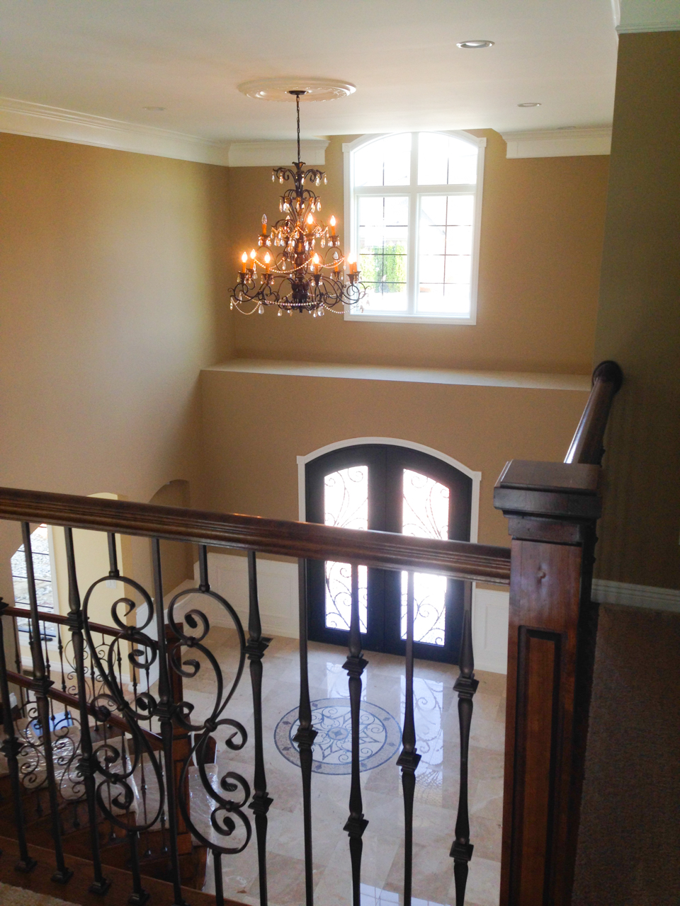 Building relationships one custom home at a time. General Contracting in the Fenton, South Lyon, Novi, Canton, Clarkston, Orion, and other Southwest Michigan areas custom foyer
