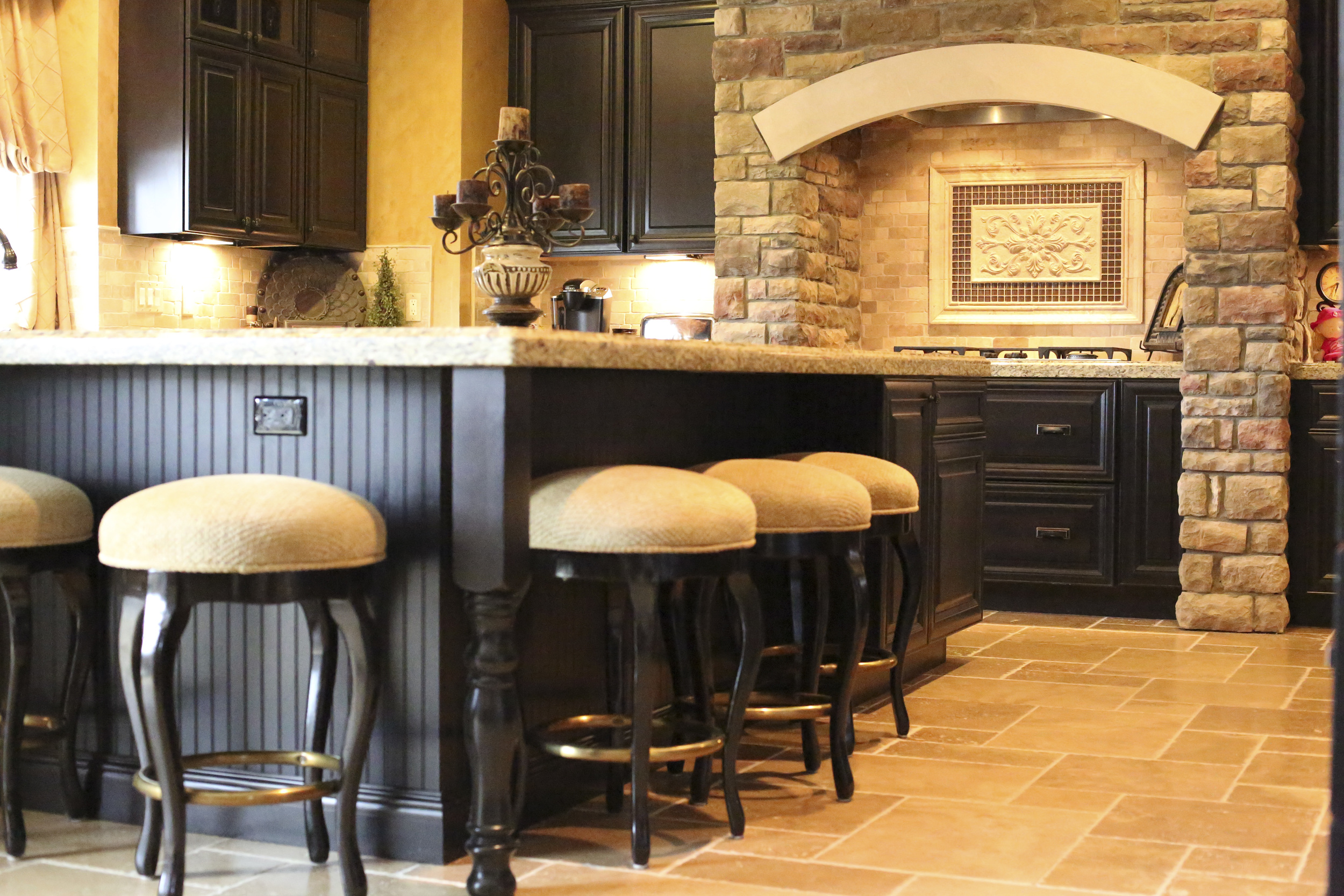 Building relationships one custom home at a time. General Contracting in the Fenton, South Lyon, Novi, Canton, Clarkston, Orion, and other Southwest Michigan areas Custom Dedication
