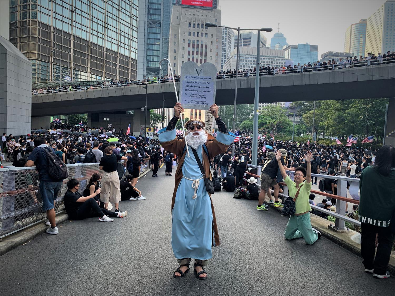 September/5/2019 Telerama  In Hong Kong, popular rumor rhymes with protest art
